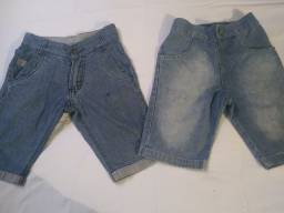 Duas bermudas jeans