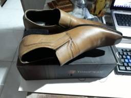 Sapato social na caixa 41