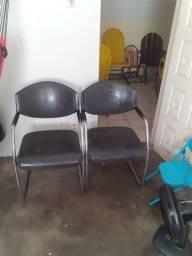 Vendo cadeira escritório de couro