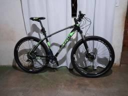 Bike Bolton aro 29 quadro 19, transmissão 2por 10 K7, freios hidraulicos