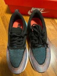 Tênis Nike odyssey
