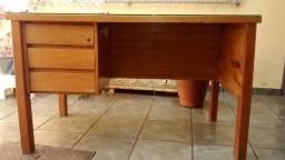 Mesa escrivaninha de madeira para escritório