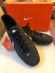 Chuteira de futsal Nike tam 40