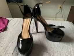 Sandália meia pata/ Salto alto
