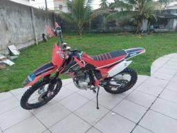 Moto Honda crf 230f