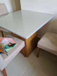 Mesa de jantar Off White 4 lugares com tampo de vidro