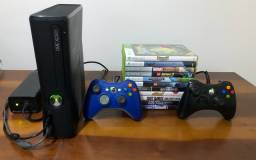 Xbox 360 com 2 controles e 11 jogos mídia física e 5 Midia digital
