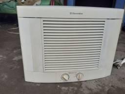 Ar condicionado de janela 7.500BTUs
