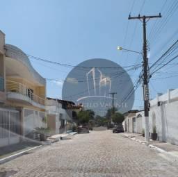 Casa de 3 Quartos na Alameda Bancrévea Almirante Barroso
