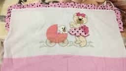 Vendo protetor de berço ursinha rosa