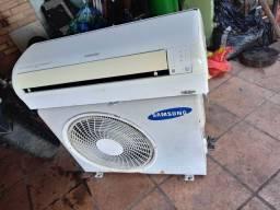 Vendo um aparelho de ar condicionado usado retirei da minha residência funcionando