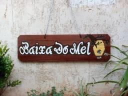 Vende-se placas personalizadas para sítio, chácara, fazenda e área de churrasco.