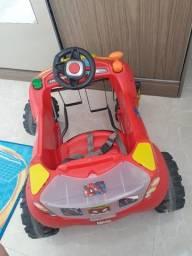 Carro infantil convervado