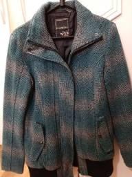 Lindíssima Jaqueta feminina de lã, forrada.