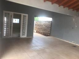 Próximo Av. Mascarenhas de Moraes 4 Quartos Com piscina Linda Casa Monte Castelo