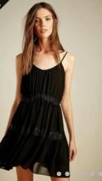 Vestido preto renda fyi