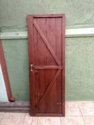 Portas de madeira rústica