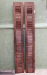 Porta veneziana de madeira