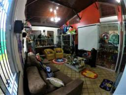 Belíssima casa no Satélite