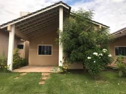 Aluga-se casa condomínio fechado no Maracanã