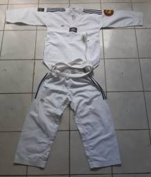 Kimono de taekwondo infantil