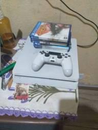 PS4 em ótimo estado