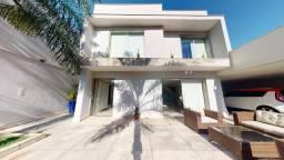 Casa duplex com 5 suítes na Mata da Praia