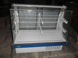 """Balcão refrigerado para bolos e frios marca Conservex """"precisa de manutenção"""""""