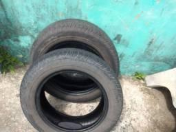Dois pneus mais que meia vida aro 14