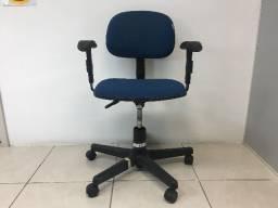 Cadeira para Escritório com Apoio de Braço Regulável