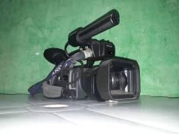 Vende-se está filmadora sony pd170