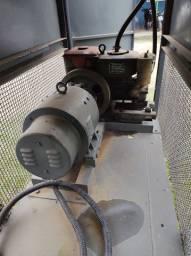 Gerador diesel acoplado em carretinha móvel