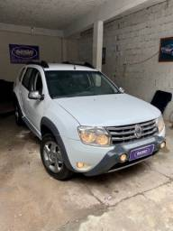 Duster 1.6 Tech Road 2015 Branca + MidiaNav + IPVA 2020 Pago