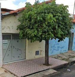 Casa na Rua Arlindo Nogueira - Próximo a Avenida Joaquim Ribeiro