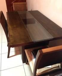 Mesa 4 lugares de madeira maciça