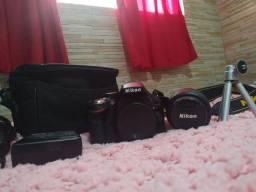 Câmera Nikon  D5200 cartão 32g contato somente por whatsapp!!