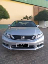 Honda Civic 2015 muito novo e de procedência !!!