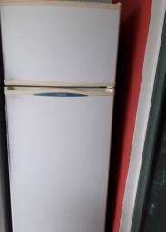 Vendo geladeira cônsul