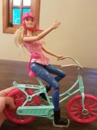 Boneca Barbie ciclista