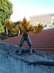Monstro de Choque amarelo usado Max Steel 30 reais