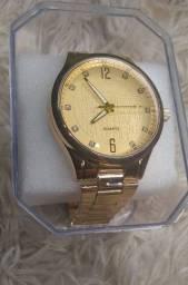 Relógio na caixa