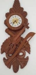 Vendo relógio antigo de parede