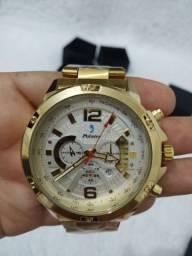 Relógio masculino dourado na caixa original