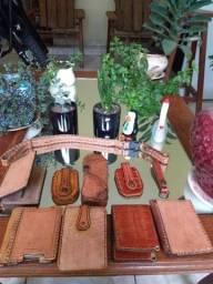 Carteiras Artesanais feito a mão couro bode carneiro.
