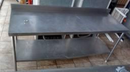 Balcão de Aço Inox para produção em Cozinha