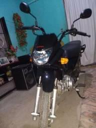 Essa linda moto por carro do meu agrado.