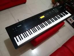 Sintetizador Yamaha S08 88 teclas
