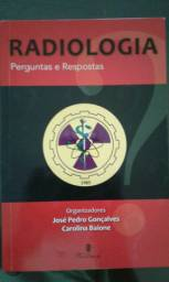 Coleção de livros de Radiologia.