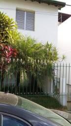 Duas casas proximo metro vila madalena