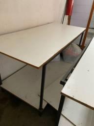 Vendo mesa de metalon